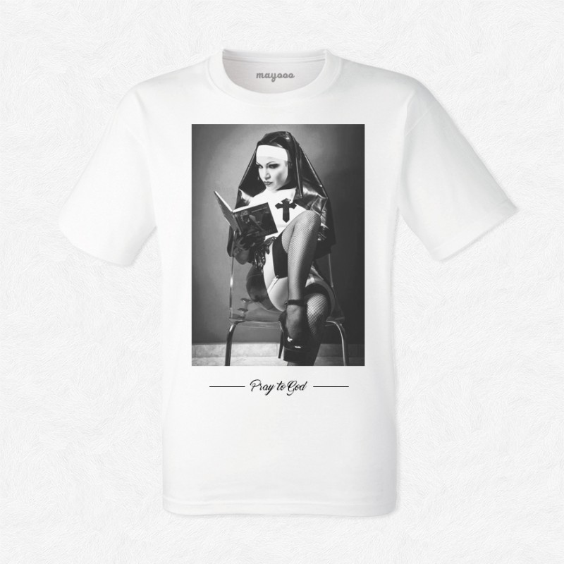 T-shirt Soeur Eden Pray to god