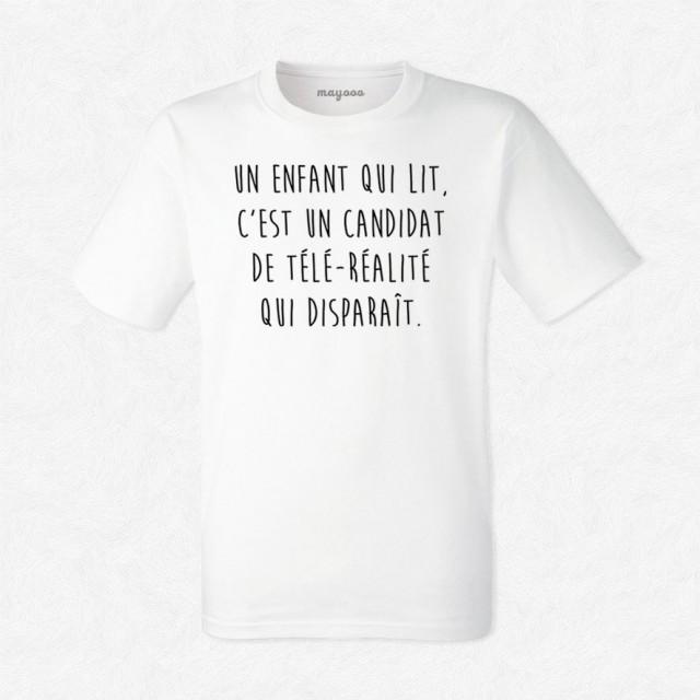 T-shirt Un enfant qui lit
