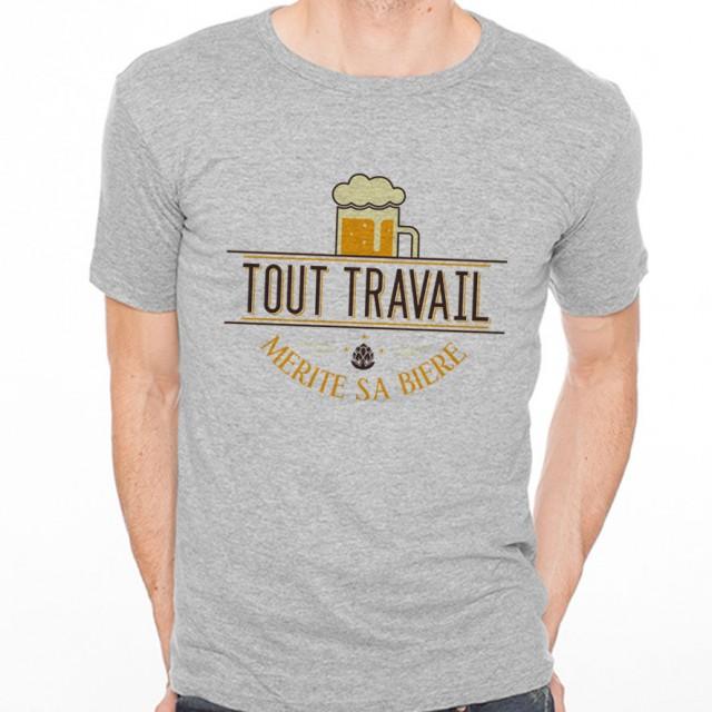 T-shirt Tout travail mérite sa bière
